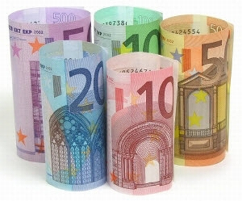 Premiu in valoare de 5.000 EUR pentru jurnalisti din Europa Centrala si de Est