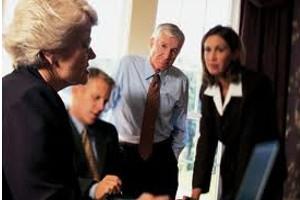 Companiile financiare vor femei in consiliile de directori