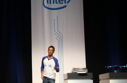 Gigantul Intel va finanta un tanar de 13 ani, producator al unei imprimante Braille