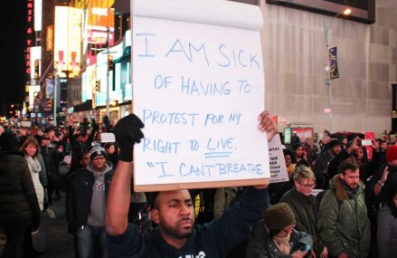 Protestele continua la New York
