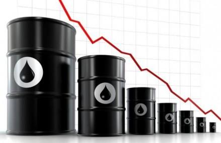 Declinul preturilor in industria petroliera poate duce la o criza economica la nivel global