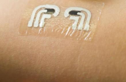 Tatuaj temporar care masoara nivelul glucozei din sange