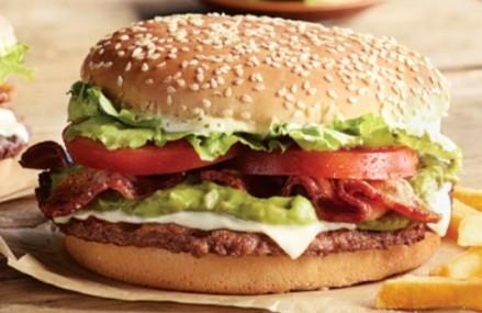 Restaurantul McDonald's din Japonia introduce un nou sandvis cu avocado