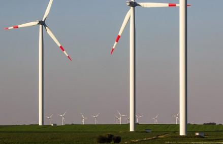 Tarile in curs de dezvoltare au plasat in 2015 cele mai mari investitii in energie regenerabila