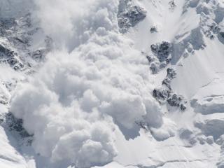 Sapte avalanse in masivul Bucegi. Riscul de producere a acestora se mentine ridicat