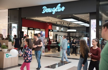 Douglas continua extinderea retelei de magazine in Romania