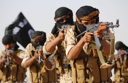 Peste 170 de muncitori ai unei fabrici de ciment din Siria, executaţi de militanţii SI – surse