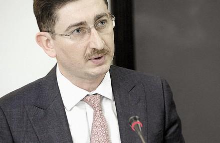 Bogdan Chiriţoiu, preşedintele Consiliului Concurenţei: Piaţa se dinamizează, se erodează poziţiile puternice pe care le au în piaţă unele companii, creşte concurenţa, creşte comerţul online. Mi-aş dori foarte mult să văd sistemele de plăţi avansând