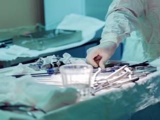 MS: Spitalul de Arsi primeste bani din contractul cu CNAS si ar trebui sa plateasca prioritar salariile si utilitatile