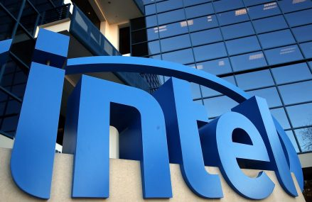 Intel isi anuleaza cel mai mare eveniment anual din cauza decaderii PC-ului
