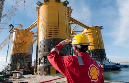 Shell recunoaste ca a lucrat cu un condamnat pentru spalare de bani
