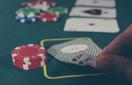 Smarphone-urile devin dispozitivele preferate ale jucătorilor cazinourilor online din România