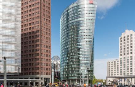 Tranzacţie între pensionari: Una dintre cele mai reprezentative clădiri din Berlin, Sony Center, a fost vândută cu 1 miliard de euro, de către un fond de pensii sud-coreean, către un fond de pensii canadian