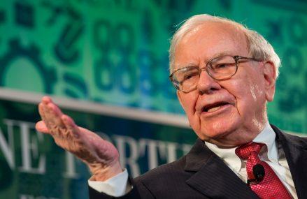 Miliardarul Warren Buffett se pregătește de pensie și își caută succesori