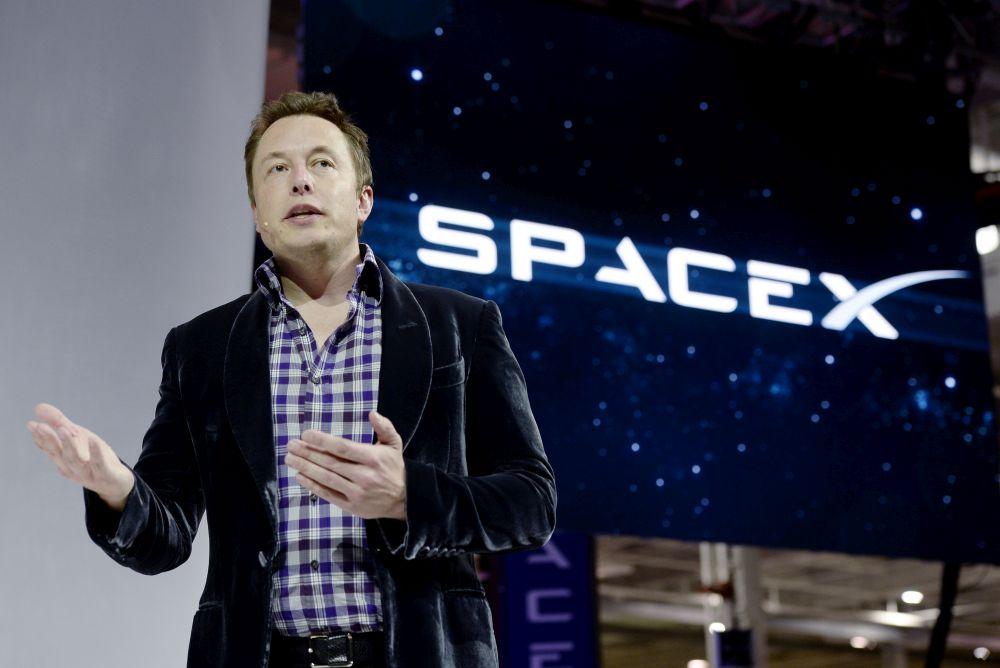 Elon Musk a încercat să-i stârnească interesul lui Trump în colonizarea planetei Marte