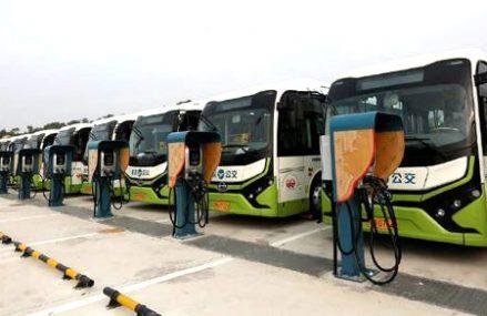 Previziuni: Până în 2025 pe jumătate de Glob se va circula cu autobuze electrice