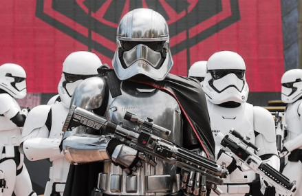 Disney se bazează pe Star Wars pentru creșterea veniturilor diviziei cinematografice