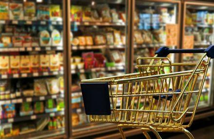 Tesco și Carrefour își unesc forțele în lupta pentru menținerea unor prețuri competitive