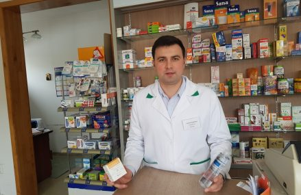 La 28 de ani, un farmacist român lansează o linie proprie de produse dermato-cosmetice