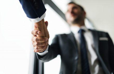 Cum să înființezi inteligent o firmă
