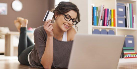 Francezii au cheltuit anul trecut 90 de miliarde de euro în magazinele online
