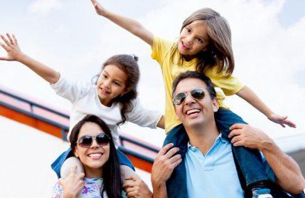 În primele două luni ale acestui an românii au cheltuit 391 mil. euro pe vacanţele în afara ţării, minus 55% faţă de aceeaşi perioadă din 2020. Anul trecut, turiştii străini au lăsat în România doar 1,2 mld. euro, faţă de 3,1 în 2019, dar fără o strategie coerentă de relansare a turismului românesc, străinii nu se vor grăbi să vină în România
