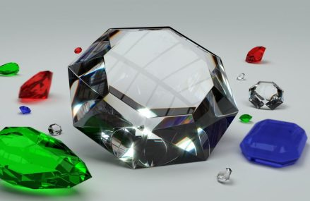 Factori care influenteaza pretul unui diamant