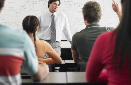 Cum funcţionează clasele terminale în şcolile din scenariul roşu. Precizările ministerului