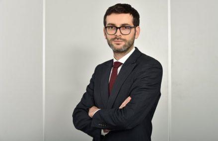 Investiţiile imobiliare din România au bifat un avans de 30% în 2020, până la 900 mil. euro, singura piaţă din regiune care a consemnat creşteri în pandemie. Andrei Văcaru, JLL: La preţul corect există lichiditate pentru aproape orice produs