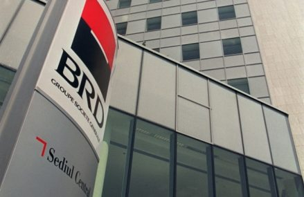 """BRD dă semnalul: angajaţii din bănci nu mai revin la munca de 5 zile de la birou. """"Ne pregătim pentru un viitor în care angajaţii din front office vor lucra în telemuncă."""""""