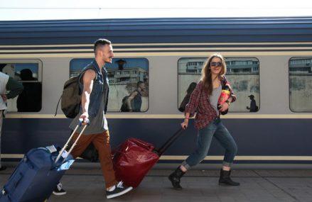 Transportul feroviar de călători din România a înregistrat o scădere de doar 19%  în primele trei luni ale acestui an faţă de perioada similară a anului trecut: printre cele mai mici scăderi din Europa