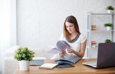 Munca de acasă se oglindeşte în starea de sănătate a angajaţilor