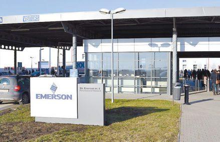 Americanii de la Emerson au ajuns la afaceri de 240 mil. dolari cu centrele de servicii şi producţie de la Cluj. În prezent, compania are peste 2.700 de angajaţi în Cluj, în cele 4 centre de servicii şi 7 unităţi de producţie, cu un portofoliu de peste 40 de categorii de produse