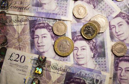 Marea Britanie a împrumutat 31 de miliarde de lire în septembrie şi continuă seria de recorduri stabilite în timpul pandemiei: Datoria publică a ajuns la 103,5% din PIB, cel mai înalt nivel din ultimii 60 de ani