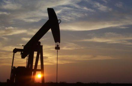 Cotațiile petrolului au început săptămâna cu scăderi substanțiale