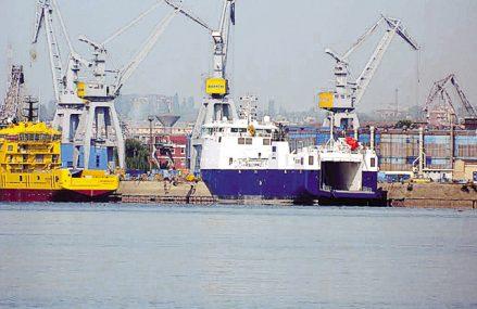 Şantierul naval Damen din Galaţi, controlat de olandezi, şi-a majorat cifra de afaceri cu 70% în 2020, ajungând la 806 mil. lei, dar profitul e la jumătate, de 22 mil. lei. În cadrul şantierului naval Damen din Galaţi lucrau la finalul anului trecut circa 2.190 de salariaţi, cu 300 mai puţin faţă de 2019