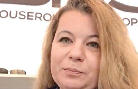 15 minute cu un antreprenor. Antoaneta Mareş, fondatoarea blouseroumaine-shop.com: Reţeaua de furnizori este extrem de instabilă, nu mă pot baza pe o durabilitate a colaborării