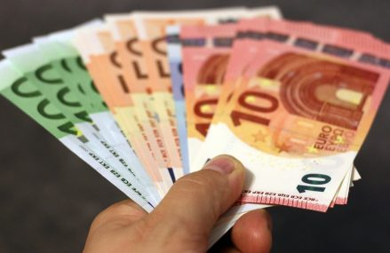 Finanțare de 190 de milioane de euro de la BEI pentru companiile românești din sectoare vulnerabile. Soluțiile în criză pentru IMM în România vor fi anunțate la Videoconferința Profit.ro