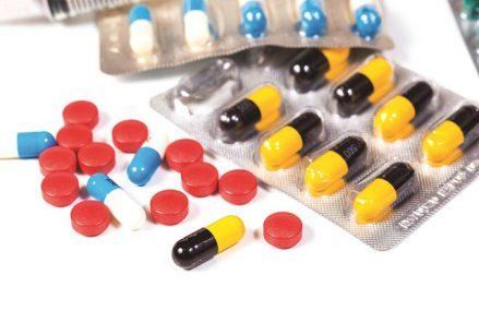 """Realitatea cifrelor: Medicamentele """"made in Romania"""" ocupă doar 8% cotă de piaţă în valoare, de trei ori mai puţin faţă de acum un deceniu"""