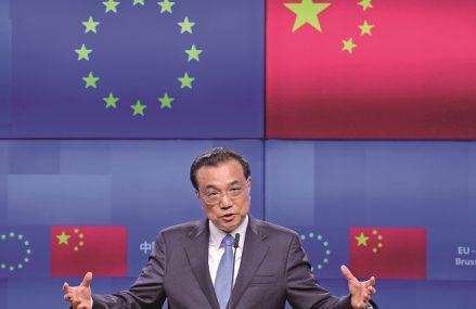Uniunea Europeană invită SUA şi pe preşedintele ales, Joe Biden, să facă front comun contra Chinei. Comisia Europeană speră că duşmanul comun îi va apropia din nou pe cei doi aliaţi pe care Trump i-a despărţit