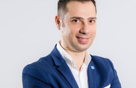 •Undelucram.ro: Aproape 60% dintre companii vor să îşi cheme angajaţii la birou din martie. 1 din 5 angajaţi şi-a pierdut locul de muncă,o treime dintre companii au făcut disponibilizări în 2020
