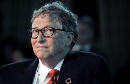 """Bill Gates anunţă că s-a vaccinat anti-Covid. """"Unul dintre beneficiile de a avea 65 de ani este că sunt eligibil pentru vaccinul COVID-19. Am primit prima doză săptămâna aceasta şi mă simt minunat"""""""