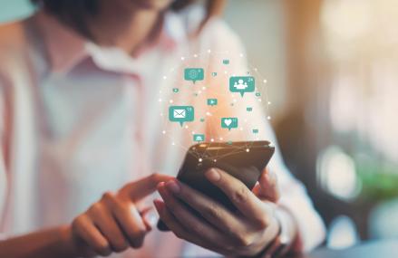 Legea europeană care reglementează serviciile digitale vine cu noi reguli pentru giganții tech