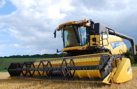 """ZF Agropower 2021. """"Ne plângem că nu avem mecanici şi tehnicieni, dar între 1990 şi 2000 s-a produs o ruptură, liceele agricole au rămas fără elevi şi nu s-au luat măsuri. Agricultura nu mai este o îndeletnicire. Să produci hrană sănătoasă pentru societate este la fel de onorabil ca şi când tratezi un om de o boală"""""""