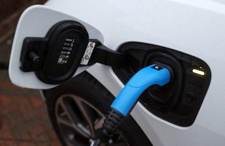 Revoluţie pe piaţa auto: Israelienii au inventat bateria care se încarcă în 5 minute
