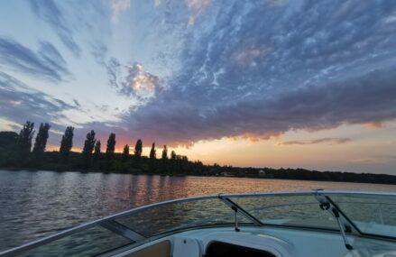 Plimbare de LUX cu barca pe Lacul Snagov
