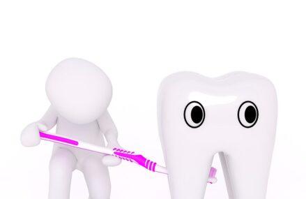 Parodontoza: cand trebuie sa mergi la o clinica stomatologica pentru tratament?