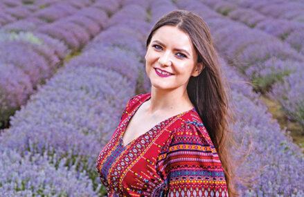 Afaceri de la Zero. Flori Vioreanu din Brăila a renunţat la un job de bugetar şi dezvoltă o cultură ecologică de lavandă pornită cu un credit de nevoie personale de 6.000 de euro