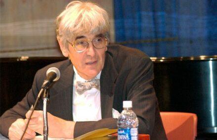 A murit Edward Mortimer, unul dintre cei mai cunoscuţi jurnalişti din lume şi omul care a scris timp de opt ani discursurile secretarului-general al ONU