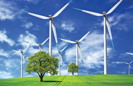 Moldova devine vedeta noului val de eoliene, cu investiţii de 650 mil. euro. Datele centralizate de ZF arată că în judeţe precum Galaţi, Vaslui, Botoşani sau Neamţ se concentrează proiecte noi, în dezvoltare, cu o capacitate totală de peste 800 MW. Proiectele din Galaţi sunt mai numeroase decât cele din Constanţa, vedeta primului val de eoliene
